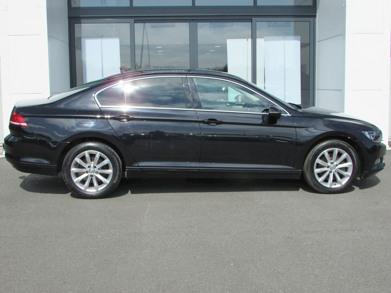 Passat Se Business Tdi Bluemotion Tech Dsg Saloon 2.0 Semi Auto Diesel