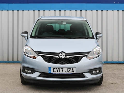 Zafira Tourer Sri Nav Mpv 1.4 Manual Petrol