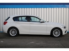 BMW 1 Series - Thumb 2