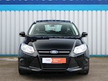 Ford Focus - Thumb 1