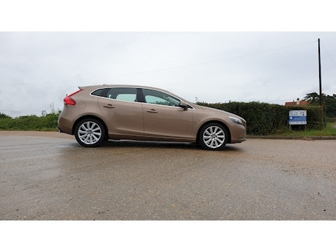 V40 D3 Se Lux Nav Hatchback 2.0 Manual Diesel