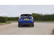 Ford Fiesta - Thumb 3