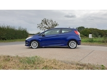 Ford Fiesta - Thumb 6