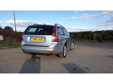 V50 D3 Se Lux Estate 2.0 Manual Diesel
