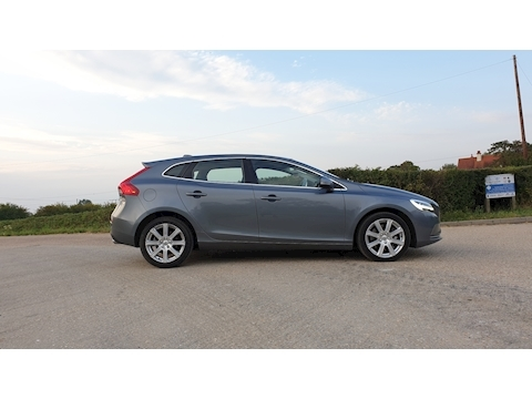 V40 2.0 D4 Inscription (s/s) 5dr Hatchback Manual Diesel