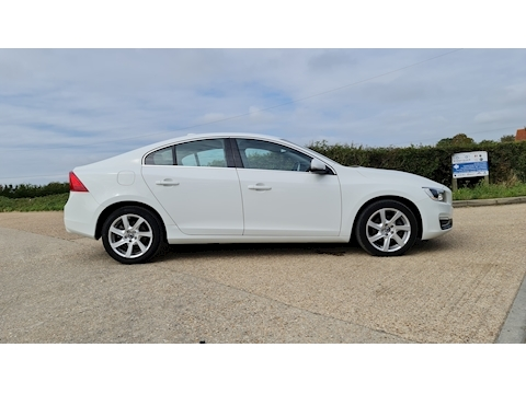 S60 SE Lux Saloon 2.0 Manual Diesel