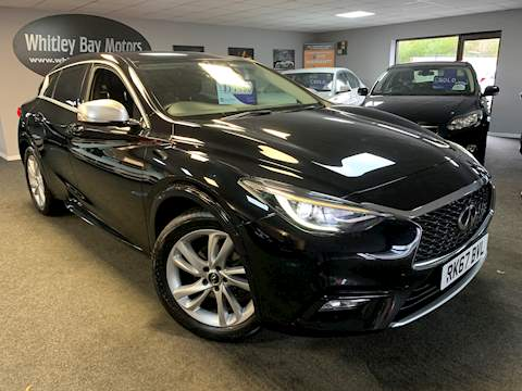 Infiniti Q30 Business Executive