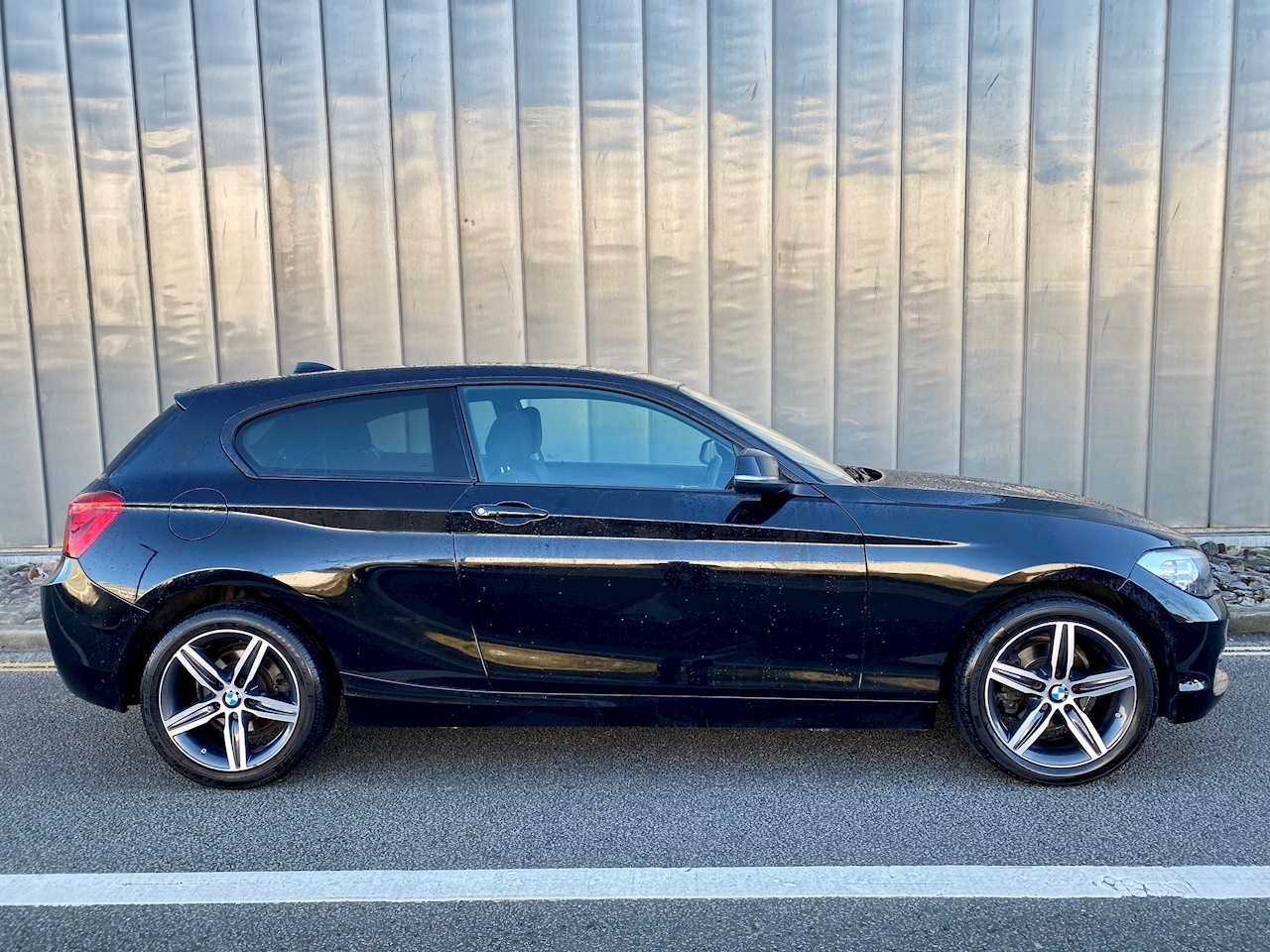 1 Series 118I Sport - 2017 - NAV - TEL - AUTO LIGHTS / WIPERS - BMW WARRANTY REMAINING - 1 OWNER 1.5 3dr Hatchback Manual Petrol