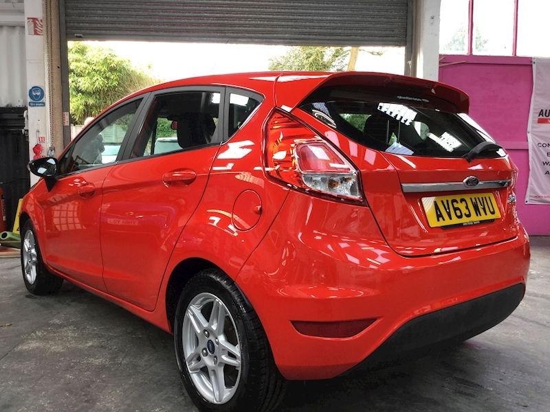 Ford Fiesta Zetec - Large 4