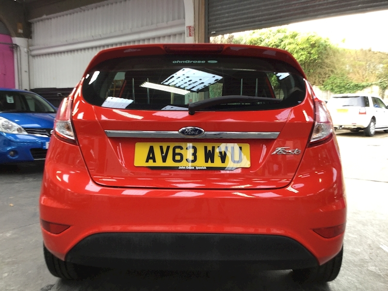 Ford Fiesta Zetec - Large 5