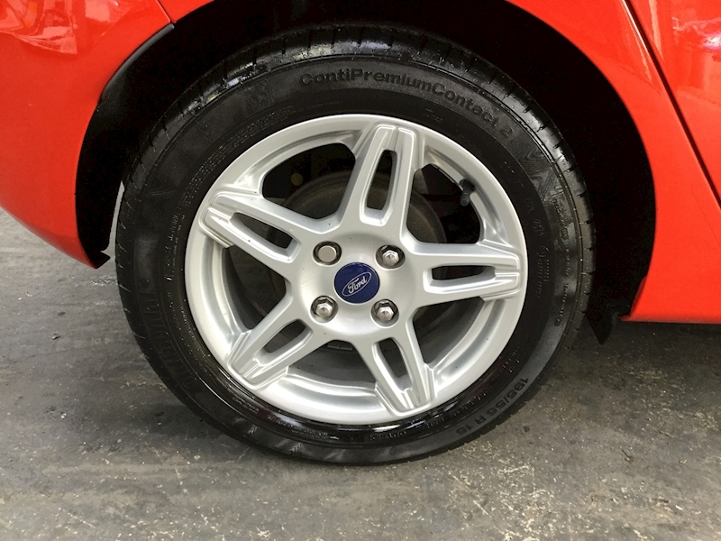 Ford Fiesta Zetec - Large 28