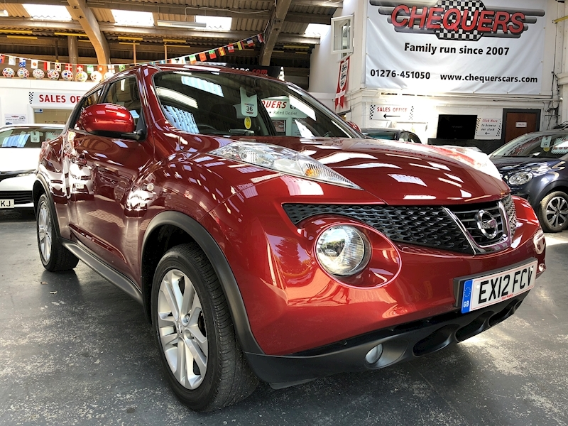 Juke Tekna Hatchback 1.6 Manual Petrol