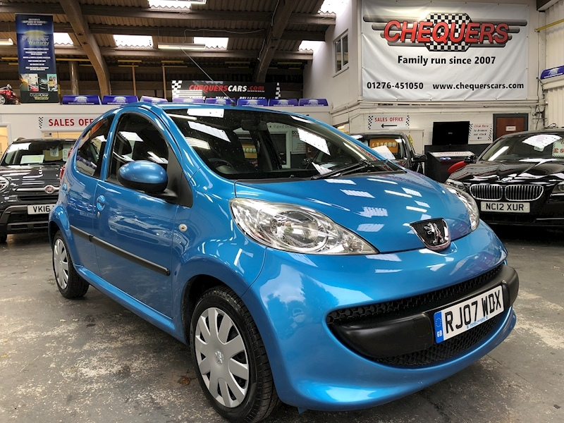 107 Urban Hatchback 1.0 Manual Petrol
