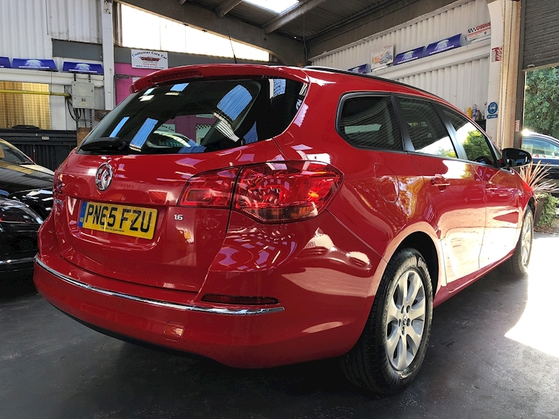 Vauxhall Astra Design - Large 6