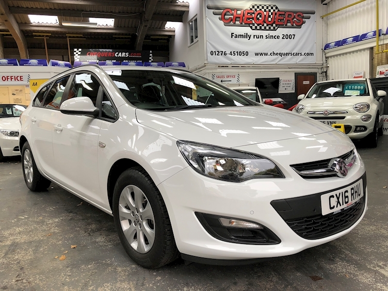 Vauxhall Astra Design - Large 0