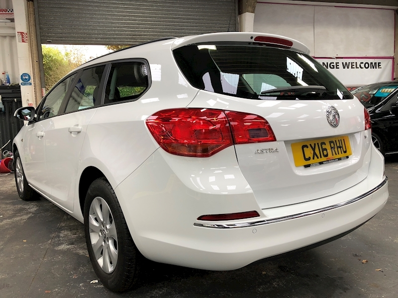 Vauxhall Astra Design - Large 4