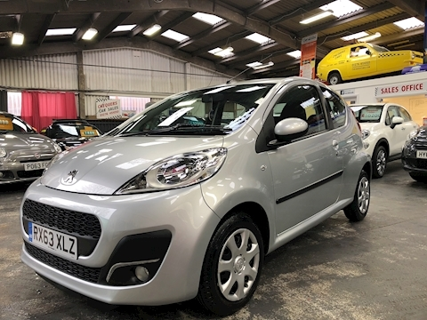 107 107 Active Hatchback 1.0 Manual Petrol