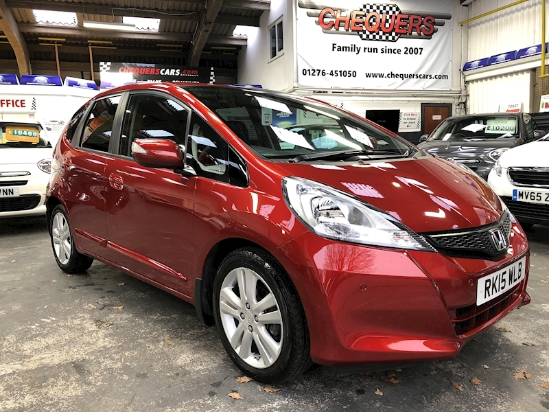 Honda Jazz I-Vtec Es Plus - Large 0