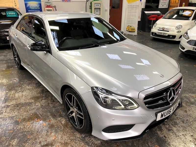 Mercedes-Benz E Class E300 Bluetec Hybrid Amg Night Edition - Large 77