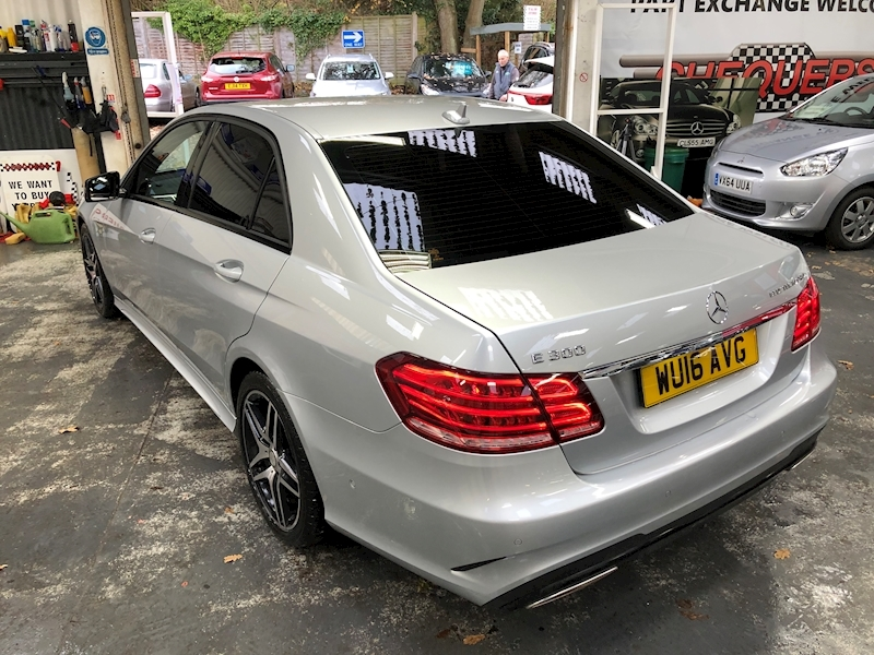 Mercedes-Benz E Class E300 Bluetec Hybrid Amg Night Edition - Large 78