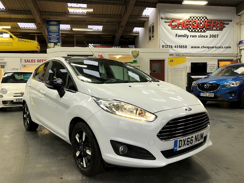 Ford Fiesta Zetec White Edition Autumn