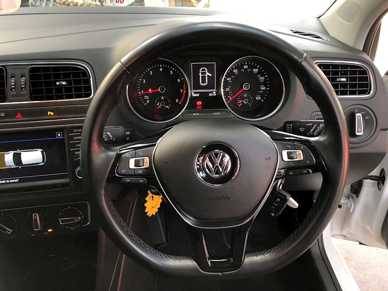 Volkswagen Polo Match Tsi - Large 10