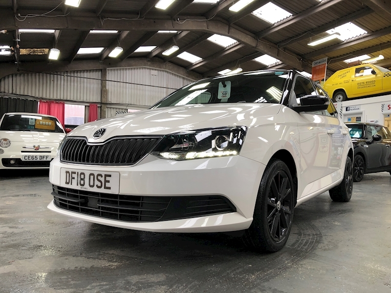 Skoda Fabia Colour Edition Tsi - Large 48
