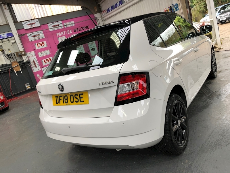 Skoda Fabia Colour Edition Tsi - Large 52