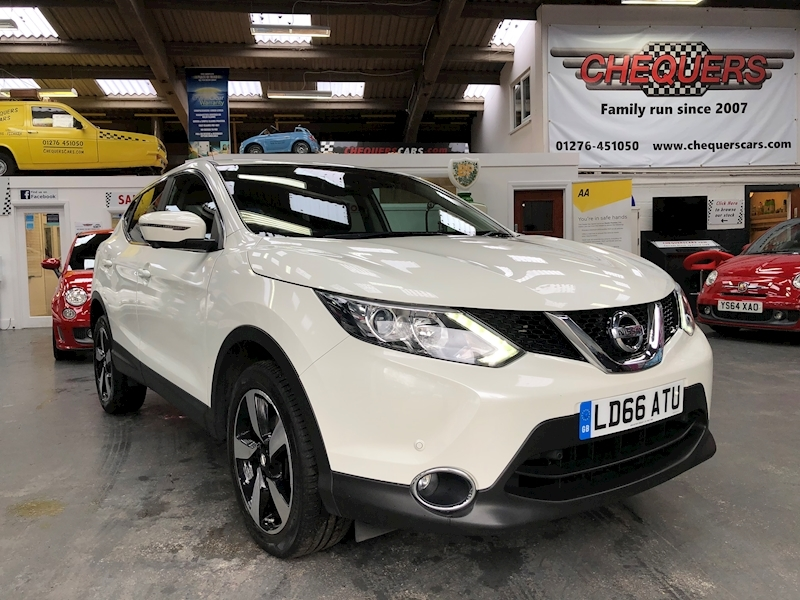 Nissan Qashqai N-Connecta Dig-T - Large 0