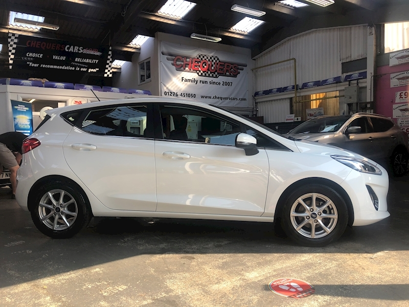 Ford Fiesta Zetec - Large 7