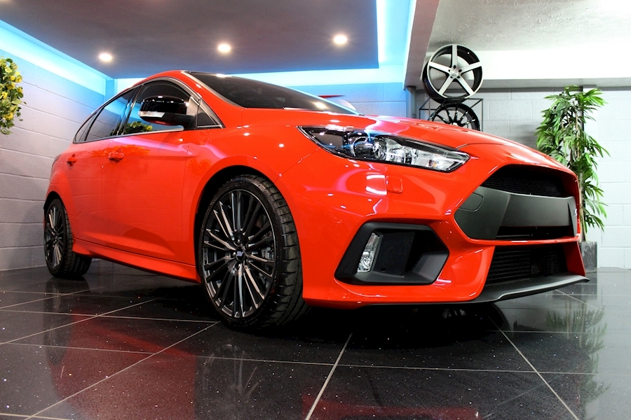 Ford Focus RS Red Edition - Large 6