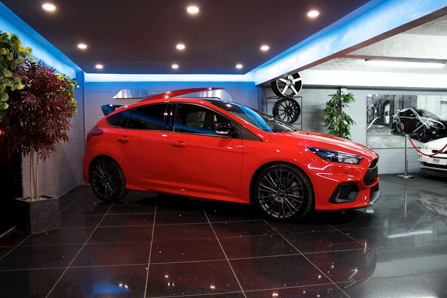 Ford Focus RS Red Edition - Large 8