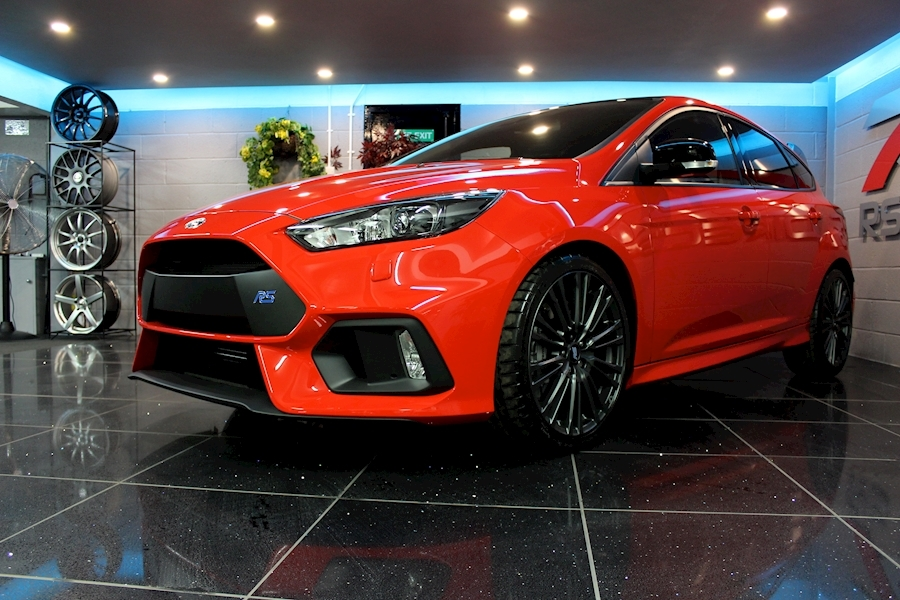 Ford Focus RS Red Edition - Large 12