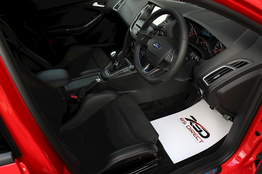 Ford Focus RS Red Edition - Large 14