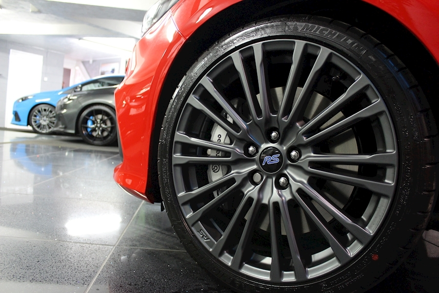 Ford Focus RS Red Edition - Large 15