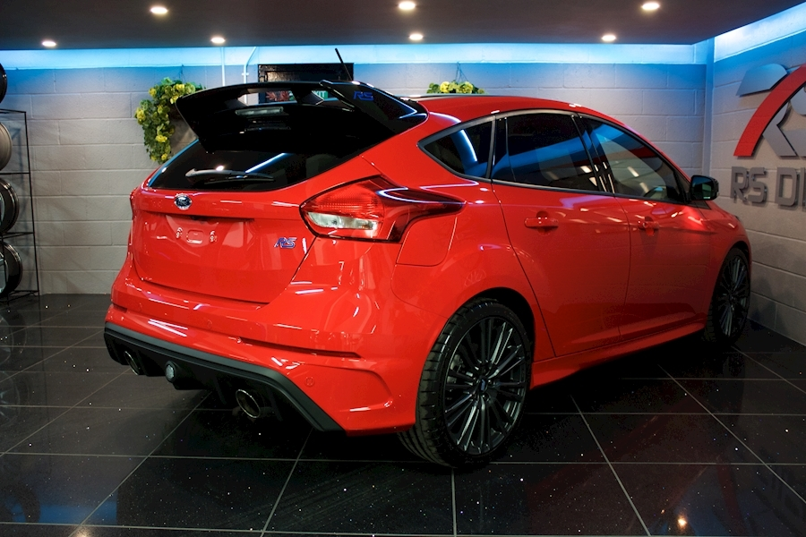 Ford Focus RS Red Edition - Large 23