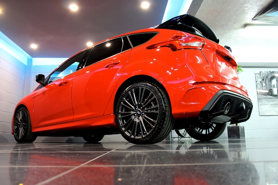 Ford Focus RS Red Edition - Large 29