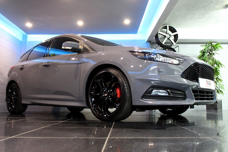 Ford Focus St-3 - Large 6