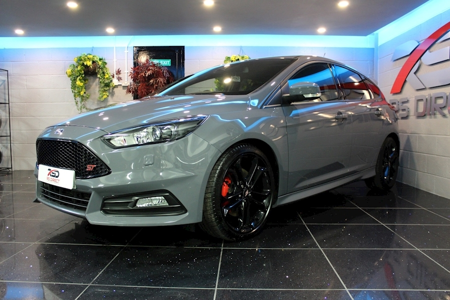 Ford Focus St-3 - Large 16