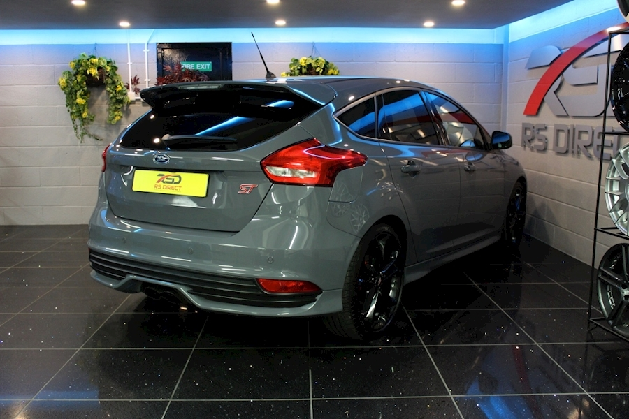 Ford Focus St-3 - Large 19