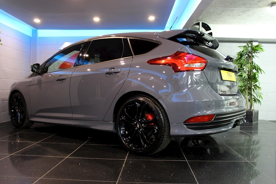 Ford Focus St-3 - Large 24