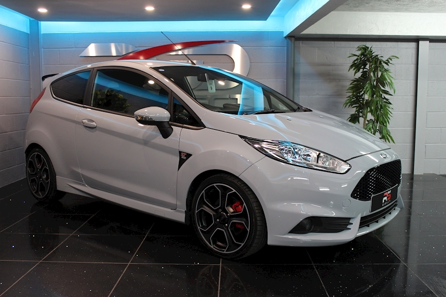 Ford Fiesta St200 - Large 4
