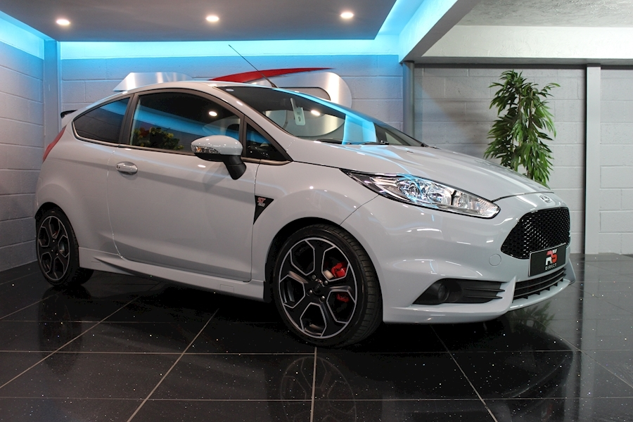 Ford Fiesta St200 - Large 0