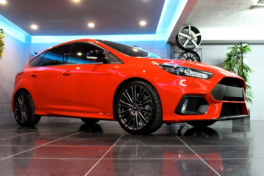 Ford Focus RS Red Edition - Large 4