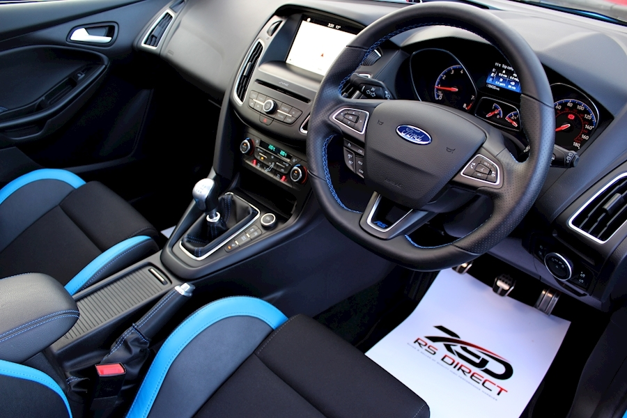 Ford Focus Focus RS - Large 1