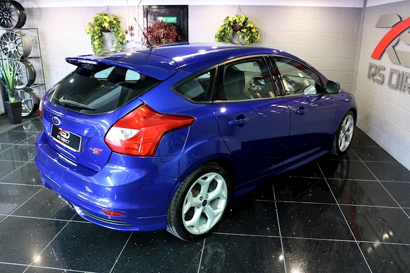 Ford Focus St-2 - Large 16
