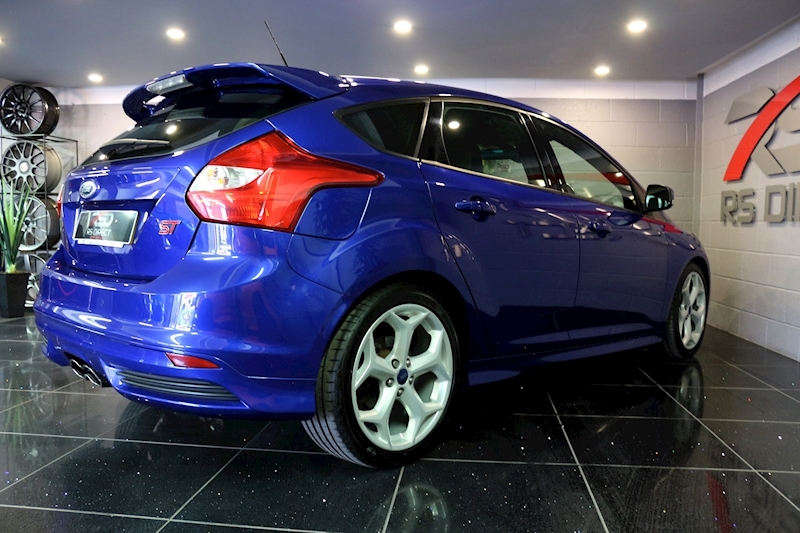 Ford Focus St-2 - Large 17