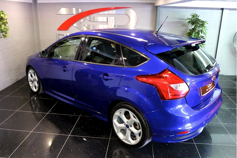 Ford Focus St-2 - Large 19
