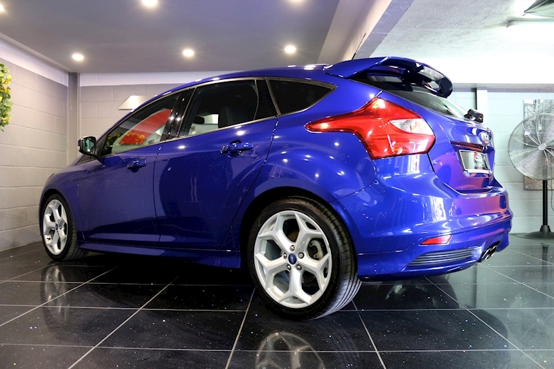 Ford Focus St-2 - Large 20