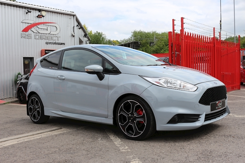 Ford Fiesta St200 - Large 3